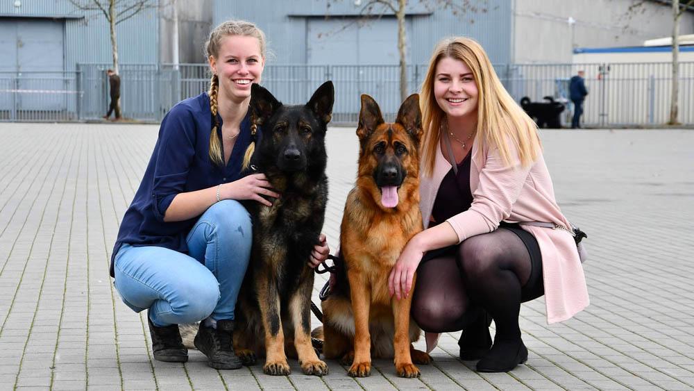Studentky se svými psy